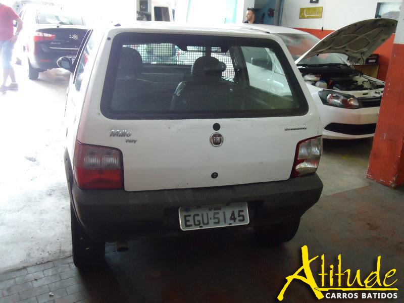 Fiat Uno 2010 Branco : Atitude Carros Batidos